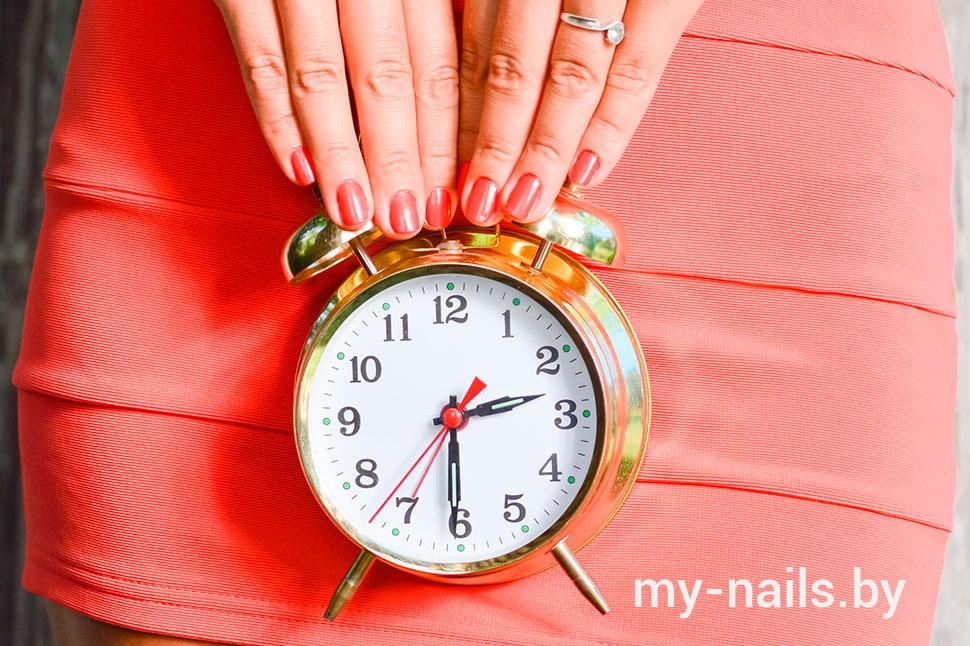 Как долго держится на ногтях гель-лак